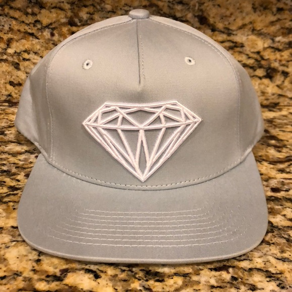 bcda2a7c32f Diamond Supply Brilliant Snapback Cap